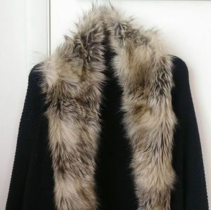 Fur Trimmed Knit Cape